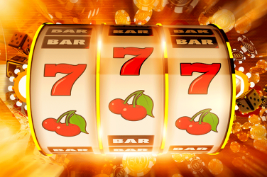 slot reels with triple 7 figure