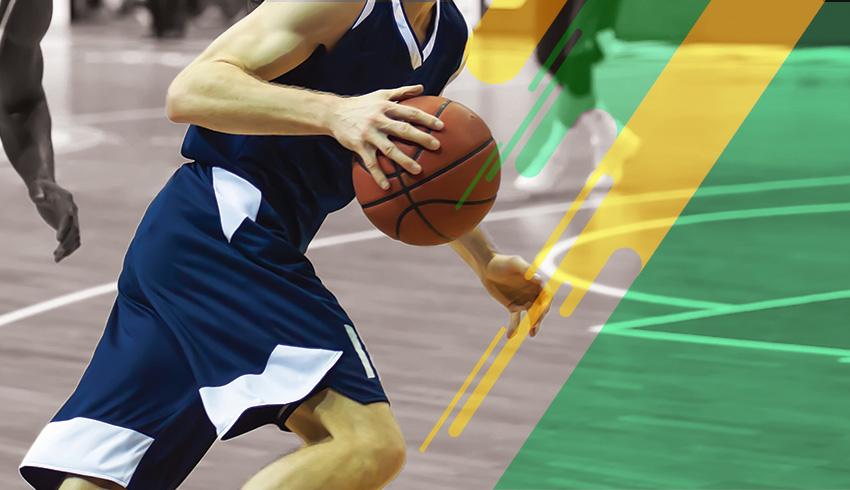Finnish Korisliiga player holding the basketball