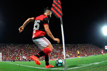Flamengo player taking corner kick in the Maracanã stadium